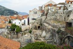 老镇的看法杜布罗夫尼克(考古学开掘) 免版税库存图片
