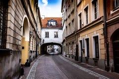 老镇的街道在华沙,波兰 免版税图库摄影