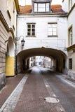 老镇的街道在华沙,波兰 免版税库存图片