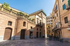 老镇的街道在巴勒莫在西西里岛,意大利 免版税库存图片