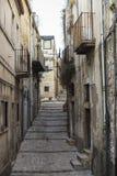 老镇的街道在拉古萨,西西里岛,意大利 免版税库存照片