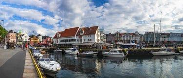 老镇码头建筑学在卑尔根,挪威 库存照片
