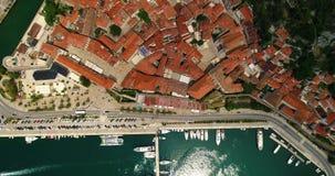 老镇科托尔和博卡队Kotorska空中顶视图在亚得里亚海咆哮在夏天 科托尔湾是其中一多数 影视素材