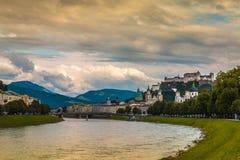 老镇萨尔茨堡在奥地利 免版税库存照片