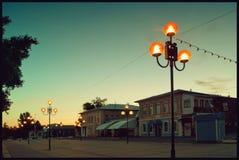 老镇街道在Balashov在黎明 在1900年前建造的老房子门面  库存照片