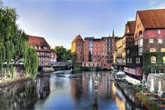 老镇Lueneburg,德国,老港口早晨 库存照片