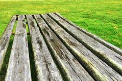 老长木凳 免版税库存照片