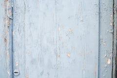 老门 破裂的蓝色油漆 免版税库存图片