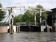 老阿姆斯特丹桥梁 免版税库存照片