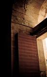 老阿拉伯样式铁门 库存照片