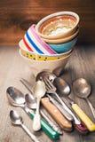 老陶器和银器 免版税图库摄影