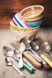 老陶器和银器 库存照片
