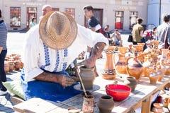老陶瓷工 库存照片