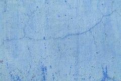 老难看的东西肮脏的破裂的葡萄酒浅兰的具体和水泥模子纹理墙壁或地板背景与被风化的油漆 库存照片