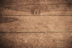 老难看的东西黑暗的织地不很细木背景,老棕色木纹理的表面,顶视图褐色木铣板 库存照片