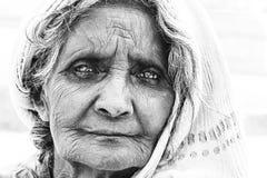 老面孔印度妇女画象  图库摄影