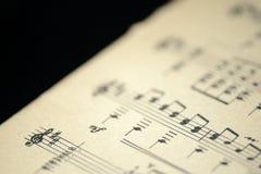 老音乐笔记本的页 图库摄影