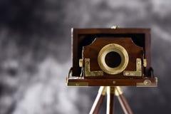 老风箱式照相机 免版税库存照片