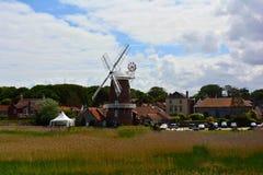 老风车在夏天, Cley风车, Cley下这海, Holt,诺福克,英国 免版税库存图片