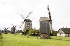 老风车在Angla遗产文化中心,爱沙尼亚 免版税库存照片