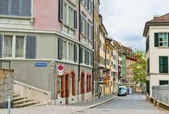 老鹅卵石街道在苏黎世 免版税库存图片