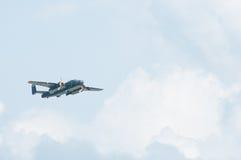 2014年老鹰乐队飞行表演B-25平原Gal汇聚  免版税库存图片