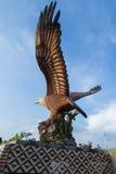 老鹰雕象在老鹰正方形公园凌家卫岛的 免版税库存照片