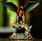 老鹰雕象 图库摄影