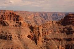 老鹰Silhuette在大峡谷国民的山被看见 免版税库存照片