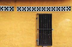 老黄色房子门面,尼加拉瓜 免版税库存照片