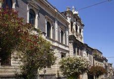 老,历史大厦看法在卡塔尼亚/意大利 图库摄影