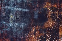 老,年迈的,生锈,被抓的,五颜六色的纹理/背景 免版税库存图片