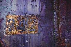 老,年迈的,生锈,被抓的,五颜六色的纹理/背景 免版税图库摄影