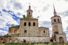 老,被毁坏的领港教会 俄罗斯, Kotlas 免版税图库摄影
