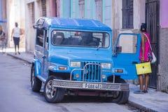 老经典汽车在古巴 图库摄影