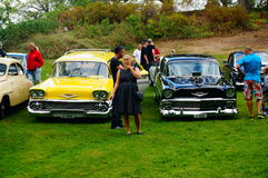 老经典黄色和黑汽车入口细节 免版税图库摄影