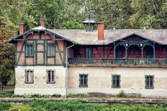 老驻地大厦在杰尔,匈牙利 免版税库存照片