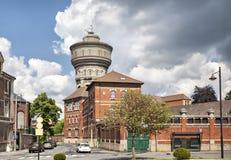 老水塔的看法在瓦朗谢纳 免版税库存照片