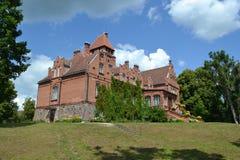 老维多利亚女王时代的城堡-庄园 免版税库存图片