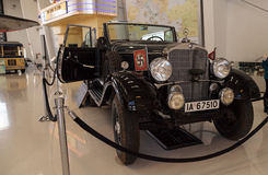 老1939年奔驰车式样G4一次游览无盖货车的Offener  库存照片