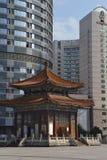 老&新的建筑学在Chongquin,中国 免版税库存图片