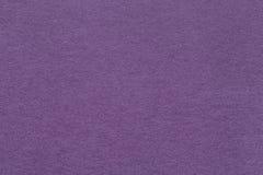 老黑暗的紫罗兰色纸特写镜头纹理  密集的纸板的结构 淡紫色背景 库存图片