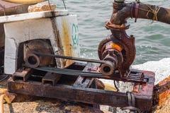 老水泵 免版税图库摄影