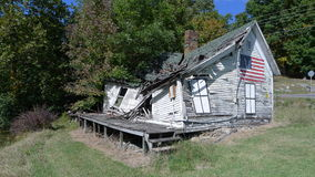 老崩溃的房子 免版税库存图片