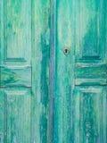 老绿色木门在Obidos,葡萄牙 图库摄影