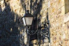 老黑路灯柱在西班牙 免版税库存图片