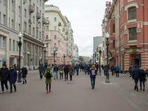 老Arbat (Stary Arbat)街道的,莫斯科, Russi步行者 库存图片