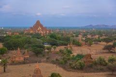 老Bagan古城塔  免版税库存照片