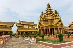 老Bagan的Bagan金黄宫殿 免版税库存照片