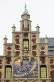 老Delacre药房的门面在Coudenberg街道的在布鲁塞尔,比利时 免版税库存图片